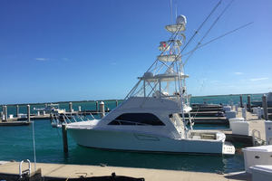 40' Cabo Flybridge 2005 At Home On The Water