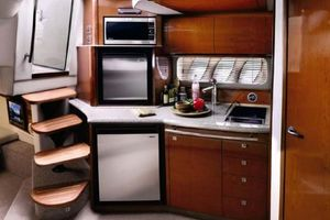 38' Sea Ray 380 DA HARDTOP SUNDANCER 2007 Photo 5