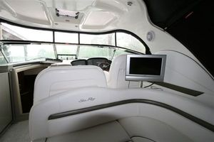 38' Sea Ray 380 DA HARDTOP SUNDANCER 2007 Photo 2