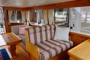 49' Alden Flybridge Express 49 2007 Guest Seating