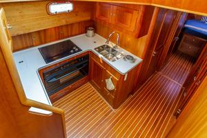 49' Alden Flybridge Express 49 2007 Galley 2