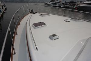 49' Alden Flybridge Express 49 2007 Foredeck