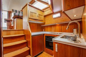 49' Alden Flybridge Express 49 2007 Galley