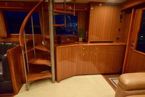 64' Viking Enclosed Bridge 2008 Salon