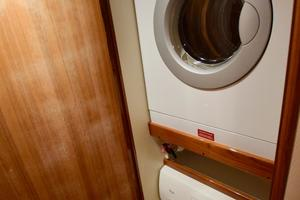 64' Viking Enclosed Bridge 2008 Washer/Dryer