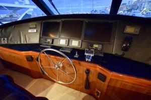 64' Viking Enclosed Bridge 2008 Helm