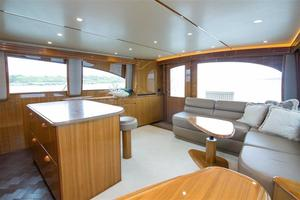 55' Viking Convertible 2014 Salon