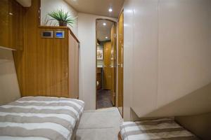 55' Viking Convertible 2014 Guest Stateroom