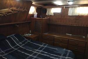 38' Marine Trader Double Cabin 1986 Midas Touch 1986 Marine Trader 38 Double Cabin Interior Master Cabin 2.JPG