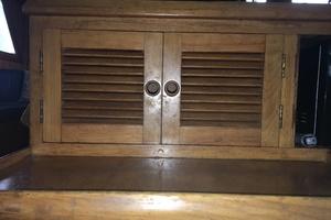 38' Marine Trader Double Cabin 1986 Midas Touch 1986 Marine Trader 38 Double Cabin Interior Galley Storage 3.JPG