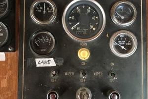 38' Marine Trader Double Cabin 1986 Midas Touch 1986 Marine Trader 38 Double Cabin Interior helm Gauges.JPG