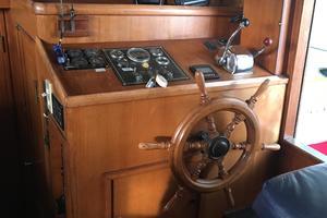 38' Marine Trader Double Cabin 1986 Midas Touch 1986 Marine Trader 38 Double Cabin Interior Helm.JPG