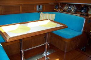 50' Mikelson Pilothouse Cutter 1987 50 Mikelson Salon Settee
