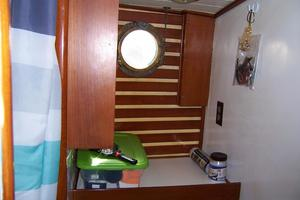 50' Mikelson Pilothouse Cutter 1987 50 Mikelson Master Head Vanity
