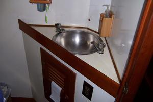 50' Mikelson Pilothouse Cutter 1987 50 Mikelson Master Head Vanity Sink