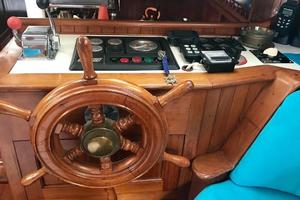 50' Mikelson Pilothouse Cutter 1987 50 Mikelson Lower Helm