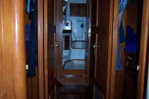 50' Mikelson Pilothouse Cutter 1987 50 Mikelson Passageway Fwd