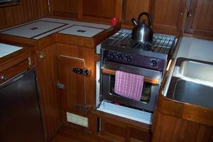 50' Mikelson Pilothouse Cutter 1987 50 Mikelson Galley Stove