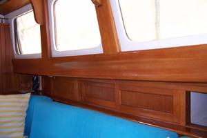 50' Mikelson Pilothouse Cutter 1987 50 Mikelson Salon Windows