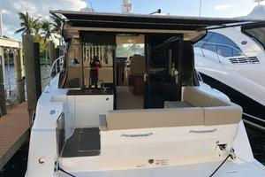 47' Sea Ray 470 Sundancer 2015
