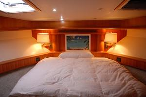 68' West Bay Sonship 2003 VIP Stateroom
