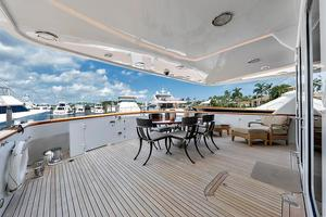 106' Burger 106 Raised Pilothouse 2004 Wow (1).jpg