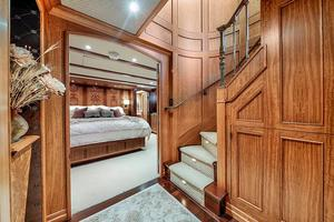 106' Burger 106 Raised Pilothouse 2004 Wow (28).jpg
