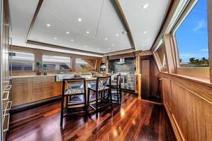106' Burger 106 Raised Pilothouse 2004 Wow (11).jpg