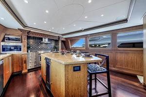 106' Burger 106 Raised Pilothouse 2004 Wow (12).jpg