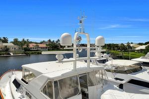 106' Burger 106 Raised Pilothouse 2004 Wow (60).jpg