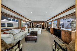 106' Burger 106 Raised Pilothouse 2004 Wow (23).jpg