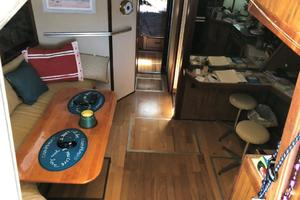 39' Sea Ray Express Cruiser 1985