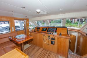 75' Hatteras Cockpit My 2003 Pilothouse