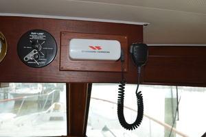 53' Hatteras Motor Yacht 1981 VHF