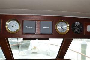 53' Hatteras Motor Yacht 1981 O/head