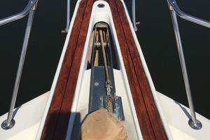 53' Hatteras Motor Yacht 1981 Anchor windlass
