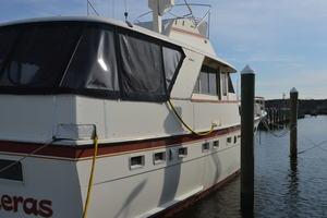 53' Hatteras Motor Yacht 1981 Stbrd / Stern