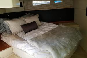 47' Sea Ray 470 Sundancer 2015 Full beam mid-ship master stateroom