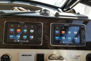 47' Sea Ray 470 Sundancer 2015 Raymarine Hybrid-Touch  electronics with dual screens