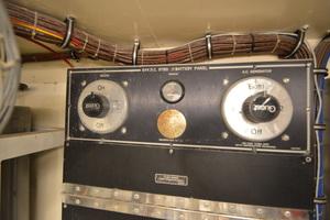 54' Hatteras 54 Edmy 1990 1990 Hatteras 54 ED, stbd engine hour meter