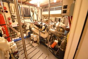 54' Hatteras 54 Edmy 1990 1990 Hatteras 54 ED, stbd engine