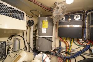 54' Hatteras 54 Edmy 1990 1990 Hatteras 54 ED, water heater