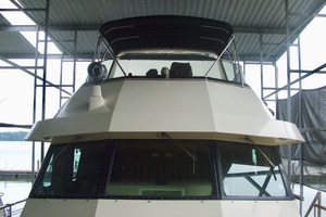 60' Hatteras Motor Yacht 1988 Front profile
