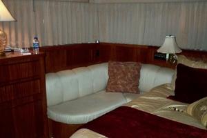 60' Hatteras Motor Yacht 1988 MSR Seating