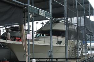 60' Hatteras Motor Yacht 1988 Covered Slip