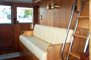 60' Hatteras Motor Yacht 1988 Fwd Bench Seating