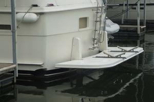 60' Hatteras Motor Yacht 1988 Stern Profile