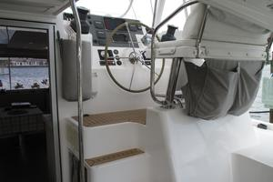 48' Leopard 48 2015 steps to helm