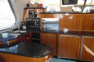 53' Carver 530 Voyager Pilothouse 2001 2001 Carver 530 Voyager Galley