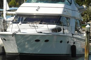53' Carver 530 Voyager Pilothouse 2001 2001 Carver 530 Voyager Port Bow